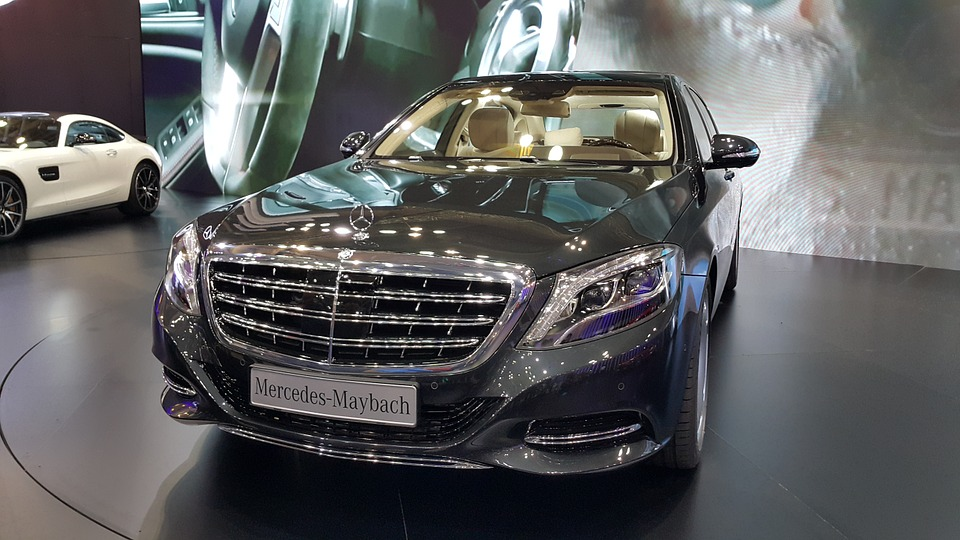 MAYBACH Icons of Luxury